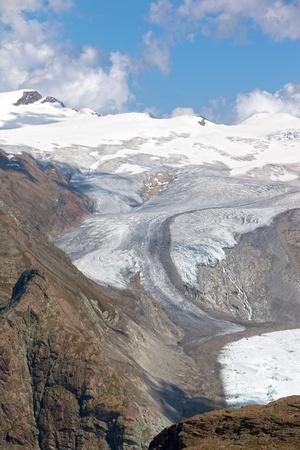 Grand Aletsch glacier alpin dans les Alpes suisses