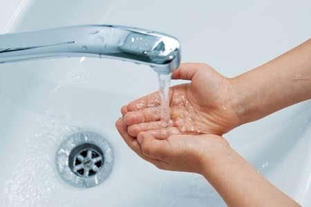 llave de agua: lavado de manos