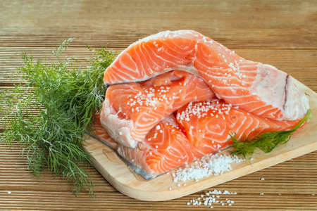 tuna fillet: Salmon fillet with dill