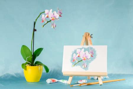 난초 꽃,이 젤, 수채화와 콜라주. 이 젤에 디지털 그림 양식에 일치시키는 수채화.