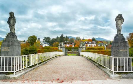 arboleda: Hermoso paisaje de otoño de la ciudad. Baden Baden. Alemania
