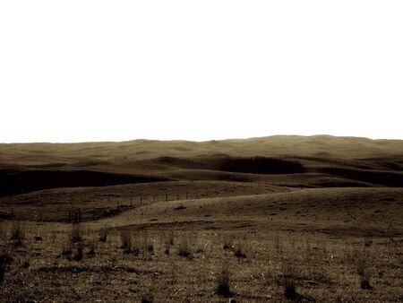Prairie Weide mit Toten Gras, sanften Hügeln in der Ferne, mit dem Himmel ein helles Weiß. Sepia-Ton Standard-Bild - 20462166
