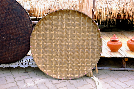 Thai traditional rice-winnowing basket or threshing basket. Banque d'images - 123545293
