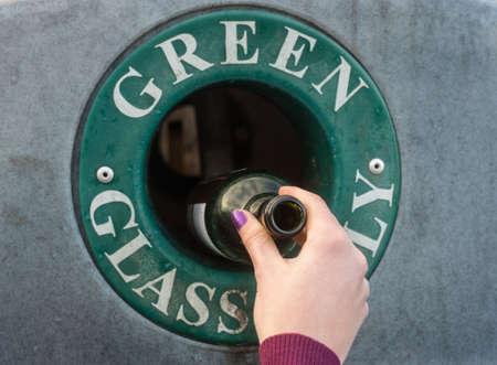 green glass recycling Banco de Imagens
