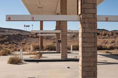 abandoned gas station: abandoned mojave desert gas station