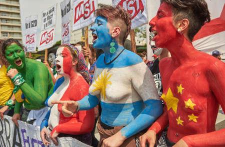Buenos Aires, CABA, Argentina - November 30, 2018: G20 summit protest street, Buenos Aires. Banco de Imagens - 116199016