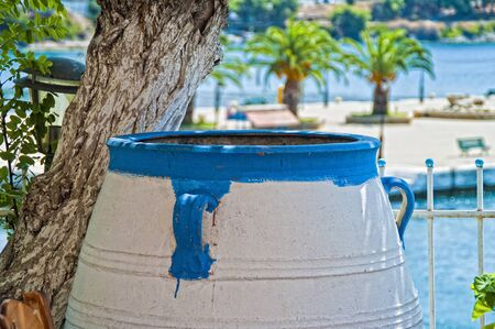 greek pot: Pot greco