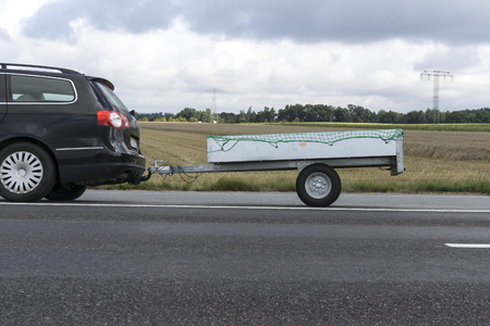 Auto mit Anhänger