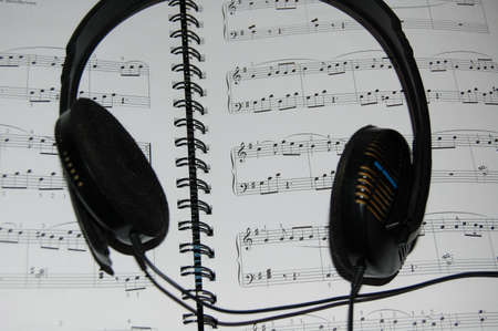 orchestrate: the song book with earphone