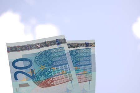 valuta: the money under the sky