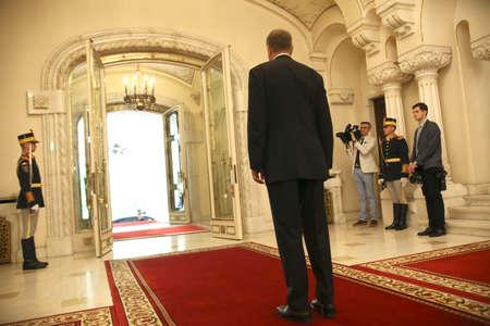 ブカレスト、ルーマニア - 2017 年 5 月 11 日: ルーマニア大統領クラウス Iohannis はルーマニアの欧州委員会委員長のジャン = クロード ・ ユンカー ih