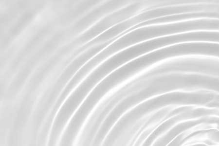 desaturated transparent clear calm water surface texture Banque d'images