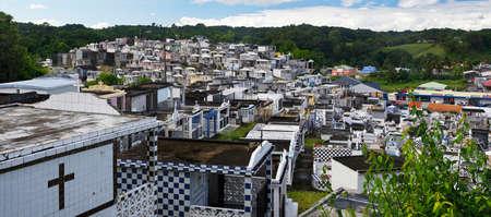 MORNE A L`EAU/GUADELOUPE - JANUARY 02, 2019: Picturesque cemetery in Morne a l`Eau in Guadeloupe. Lesser Antilles, Caribbean Standard-Bild - 132887061
