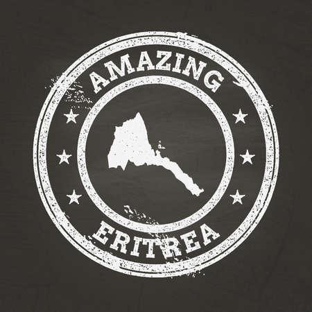 Wit krijt textuur vintage stempel met staat Eritrea kaart op een schoolbord school. Grunge rubberen afdichting met het overzicht van de landkaart, vectorillustratie.