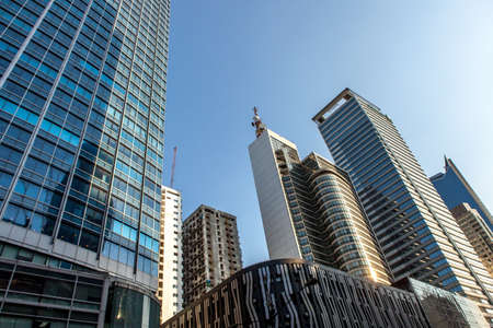 Metro Manila skyscrapers with blue sky, Makati district. Philippines. Stockfoto