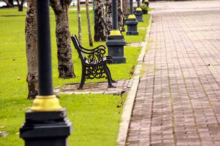 spiritless: Green lawn chair Ben