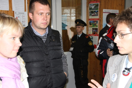 polling: The head of the electoral headquarters of opposition activist Yevgenia Chirikova, Nikolai Laskin listens to the story of observer about violations at the polling station.
