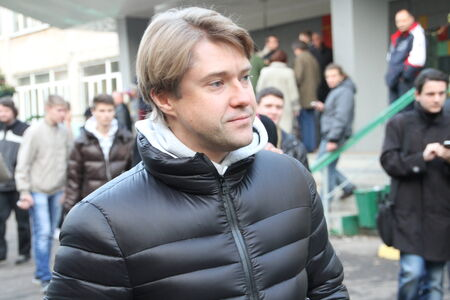 at came: Khimki, Moscow region, Russia - October 14, 2012. Executive Director of the Fund of struggle against corruption Vladimir Ashurkov came in Khimki to support the opposition candidate Yevgeny Chirikova. On election day in the suburban town of Khimki broke sh