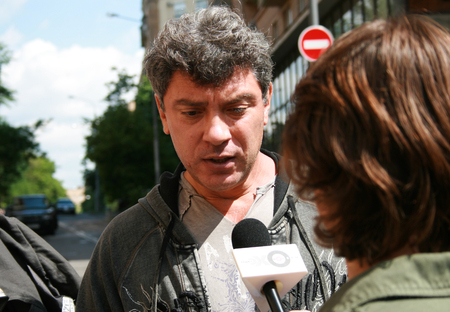 political prisoner: Moscow, Russia - June 4, 2009. Politician Boris Nemtsov interviewed outside the courthouse, where the trial of Mikhail Khodorkovsky. Political picket of Solidarity at the building of Hamovnichesky court during the trial of Mikhail Khodorkovsky Editorial