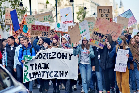 Friday, September 20, 2019. Millions of protesters worldwide come together to demand action on climate change Standard-Bild - 133265387