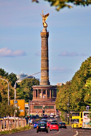 Berlin, Germany - Wednesday, October 2, 2019. The Victory Column is a monument in Berlin, Germany. Designed by Heinrich Strack after 1864 Standard-Bild - 133265408
