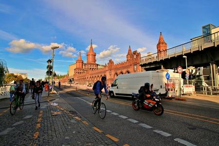Berlin Germany. Sunday, September 29, 2019 Oberbaum bridge over spree river in berlin. Standard-Bild - 133265435