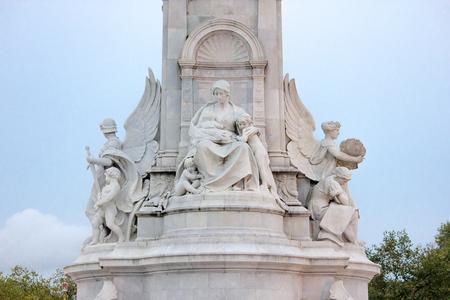 thomas stone: London - Victory memorial - detail