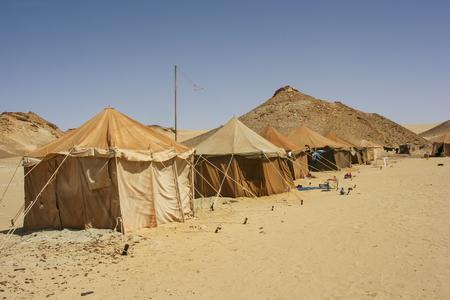 desierto del sahara: Campamento en el desierto del Sahara