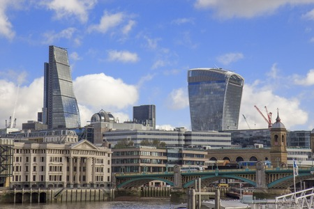 southwark: London skyline - City of London and Southwark bridge.UK.