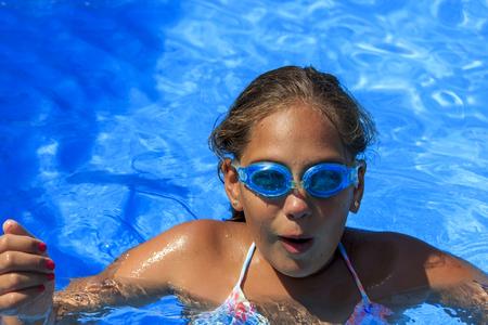 girl underwater: Girl underwater