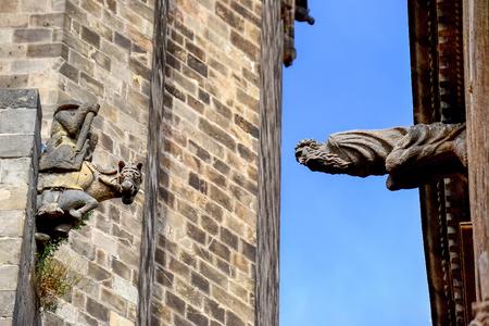 gargouille: Gargouille dans le quartier gothique de Barcelone
