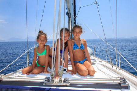 Meisjes op de saiboat