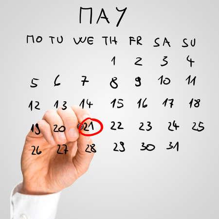 diversidad cultural: Mayo Masculino 21 marcando mano - d�a Mundial de la diversidad cultural - en el calendario virtual.
