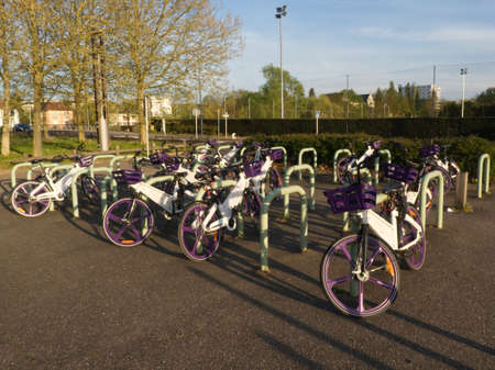 Urban bike parking service for sustainable and ecofriendly mobility in the city