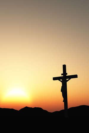 kruzifix: Die Kreuzigung. Ein Kreuz mit Jesus Christus. Eine Bibel, Thema Lizenzfreie Bilder