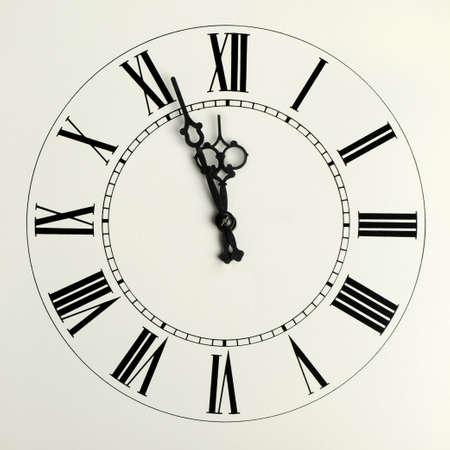 horloge ancienne: Anciens heures avec figuraient fl�ches et le roman de chiffres
