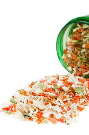 legumbres secas: Especias secas. Un conjunto de color condimentos desecados aislado en un fondo blanco