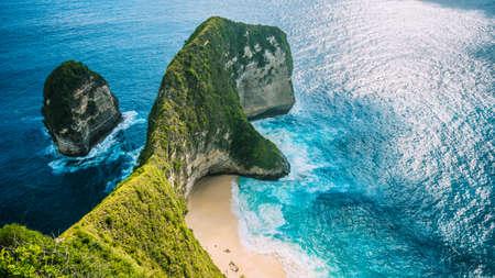 マンタ湾やペニダ島、バリ島、インドネシアの Kelingking ビーチ