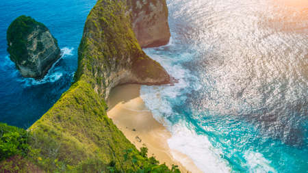 Manta Bay or Kelingking Beach on Nusa Penida Island under hot tropical sun, Bali, Indonesia