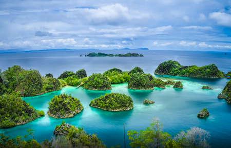 Islas Pianemo, Raja Ampat, Papua Occidental, Indonesia Foto de archivo