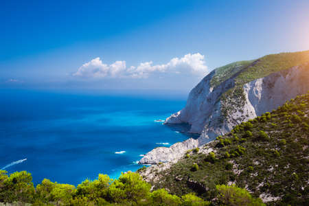 Zakynthos steep coastline, limestone cliffs on the western part of island. Greece Imagens