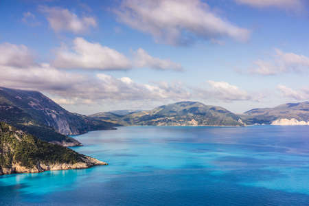 Stunning scenery of Kefalonia island during summer. Majestic peaceful nature landscape and sea shore of turquoise mediterranean sea Stockfoto