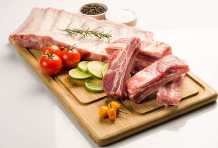 pork ribs with lemmon, pepper and tomatoes