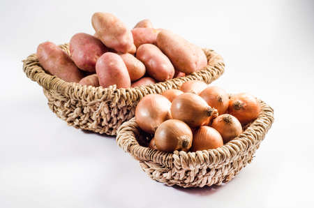 asterix: basket of potatos and basket of onions