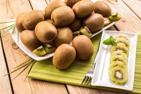 kiwi fruta: kiwi italiano en la placa
