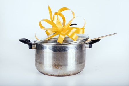 cooking pot prepared to be given as a gift