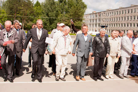 alumni: People on grand welcome of veterans of aviation college of city of Perm