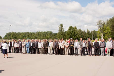 perm: People on grand welcome of veterans of aviation college of city of Perm