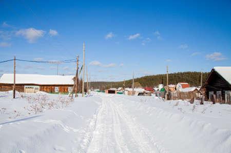 村、スベルドロフスク地域、ロシアの冬の田園風景