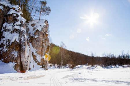 川チュソヴァヤ、スベルドロフスク地域、ロシアの冬の風景